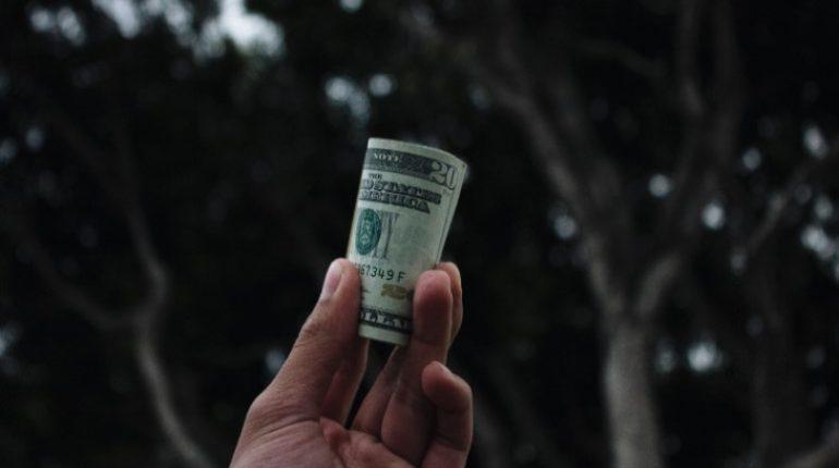 """""""Черным кредиторам"""" могут запретить взыскивать долги с заемщиков"""